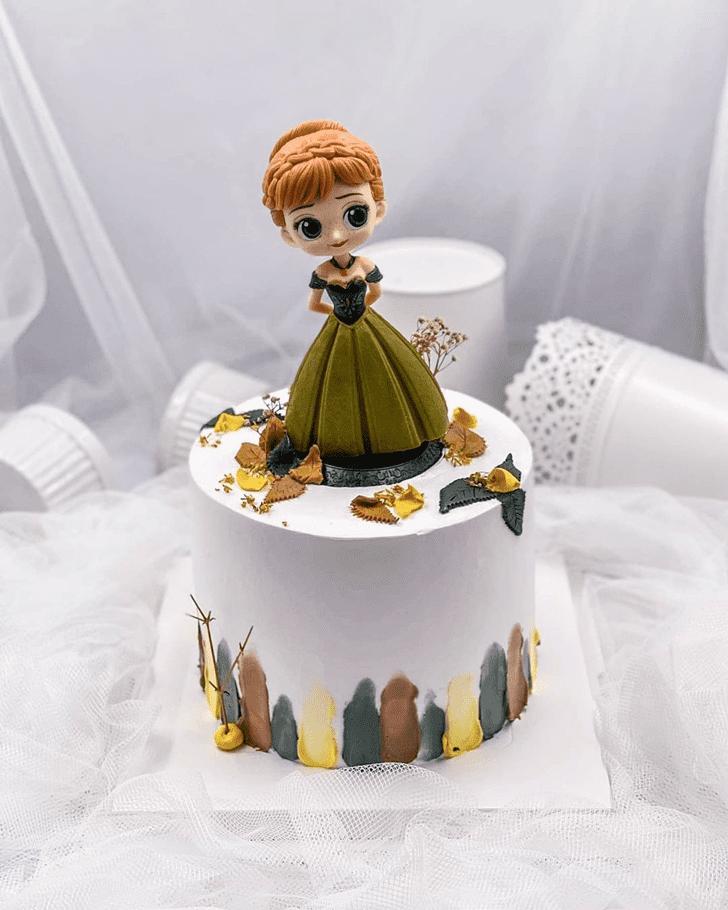 Cute Disneys Anna Cake