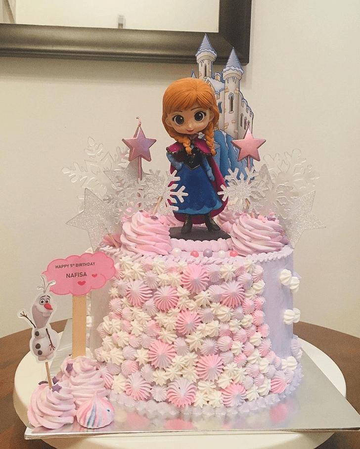 Nice Disneys Anna Cake