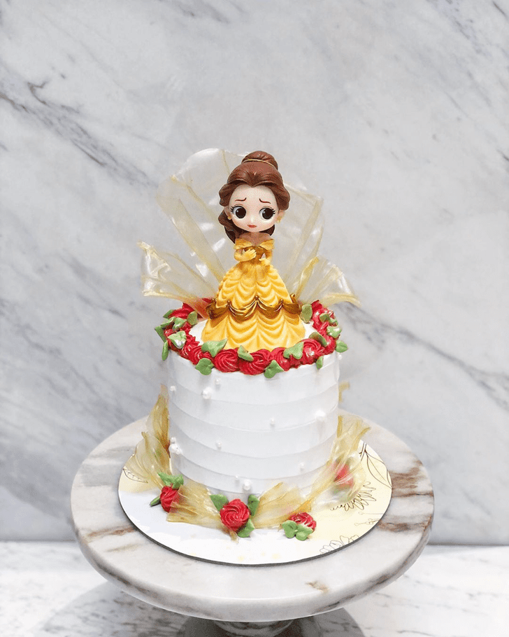 Comely Disneys Belle Cake
