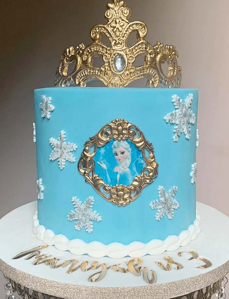 Alluring Disneys Elsa Cake