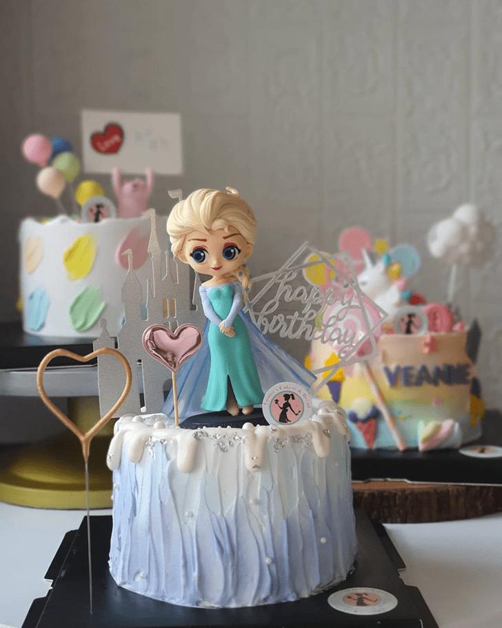 Divine Disneys Elsa Cake