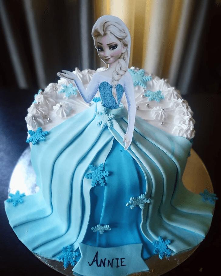 Exquisite Disneys Elsa Cake