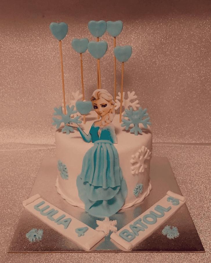 Fetching Disneys Elsa Cake
