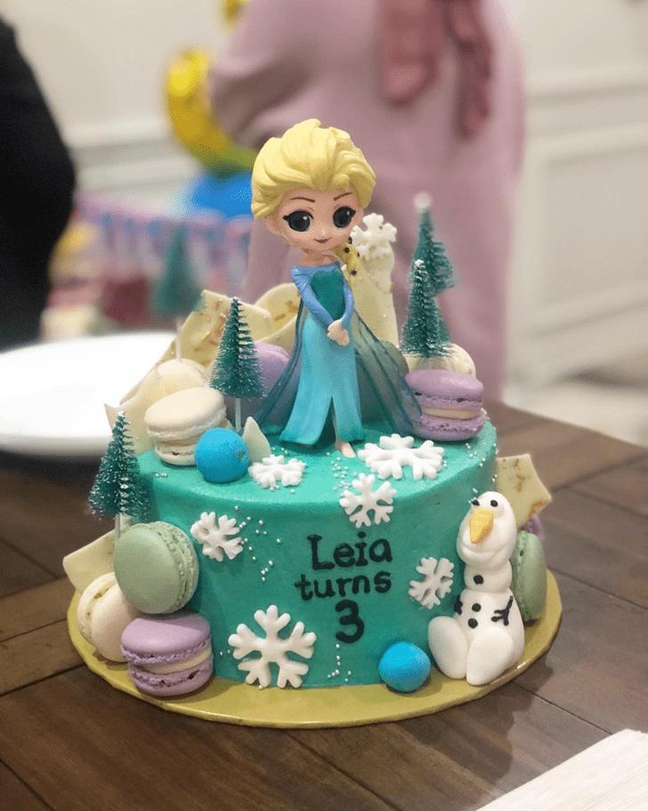 Gorgeous Disneys Elsa Cake