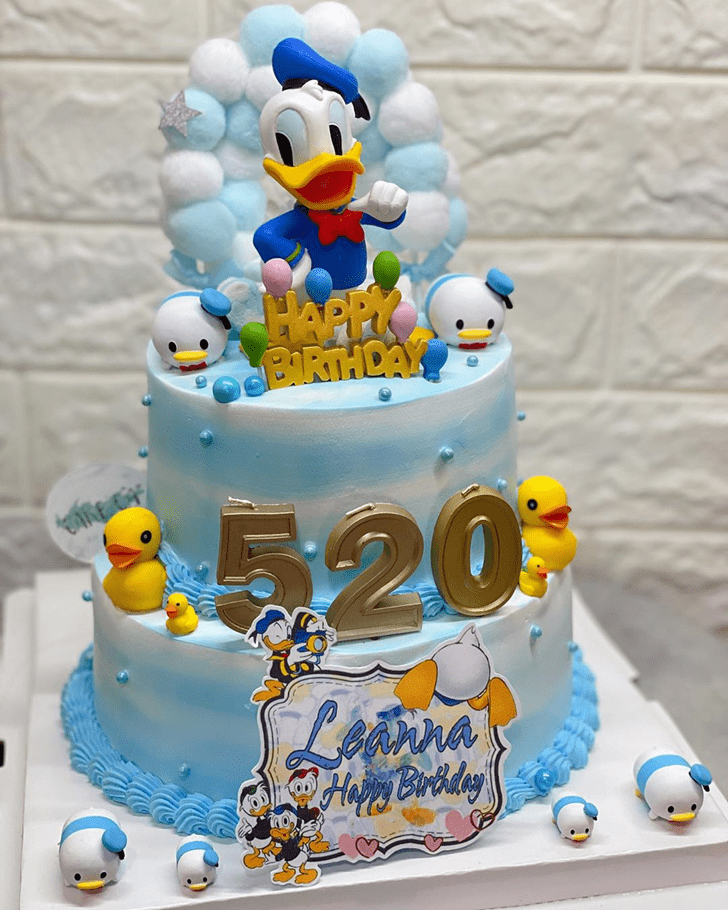 Bewitching Donald Duck Cake