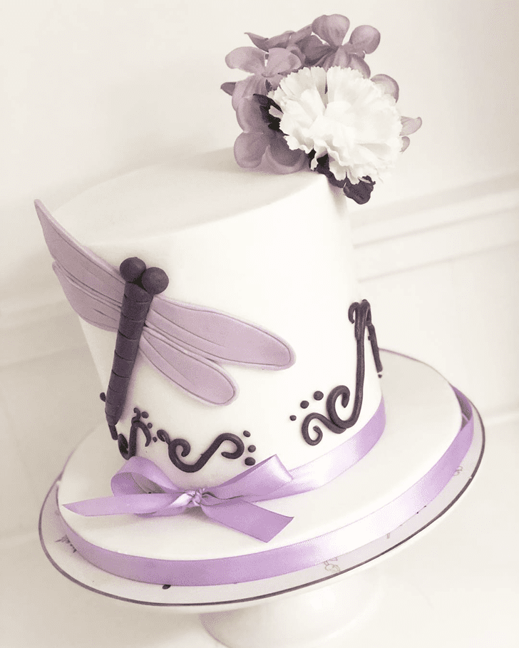 Lovely Dragonfly Cake Design