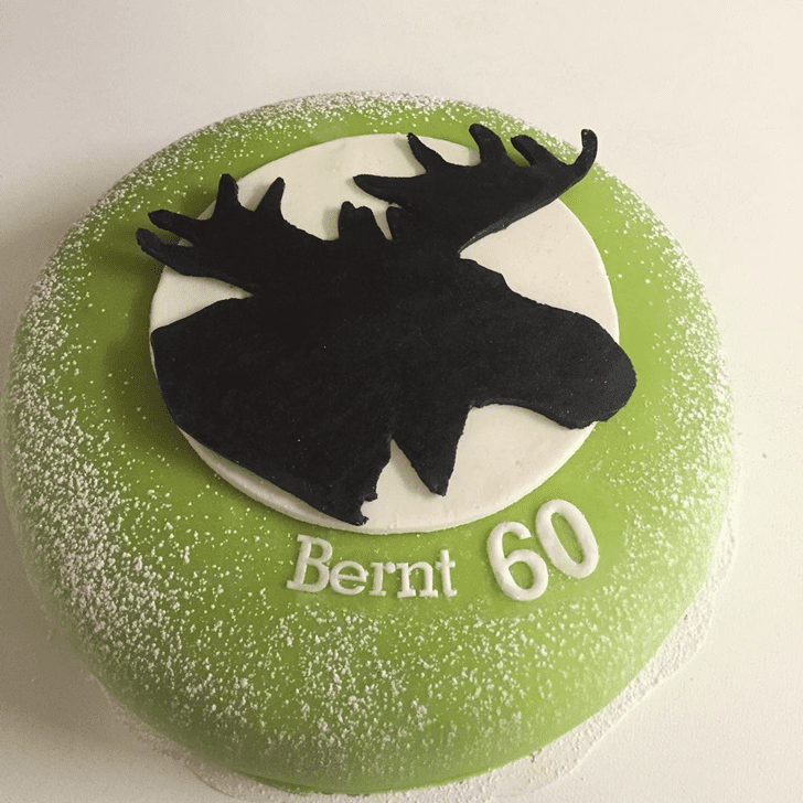 Captivating Elk Cake