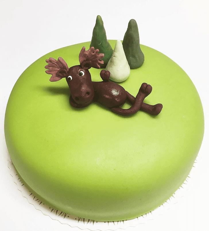 Comely Elk Cake