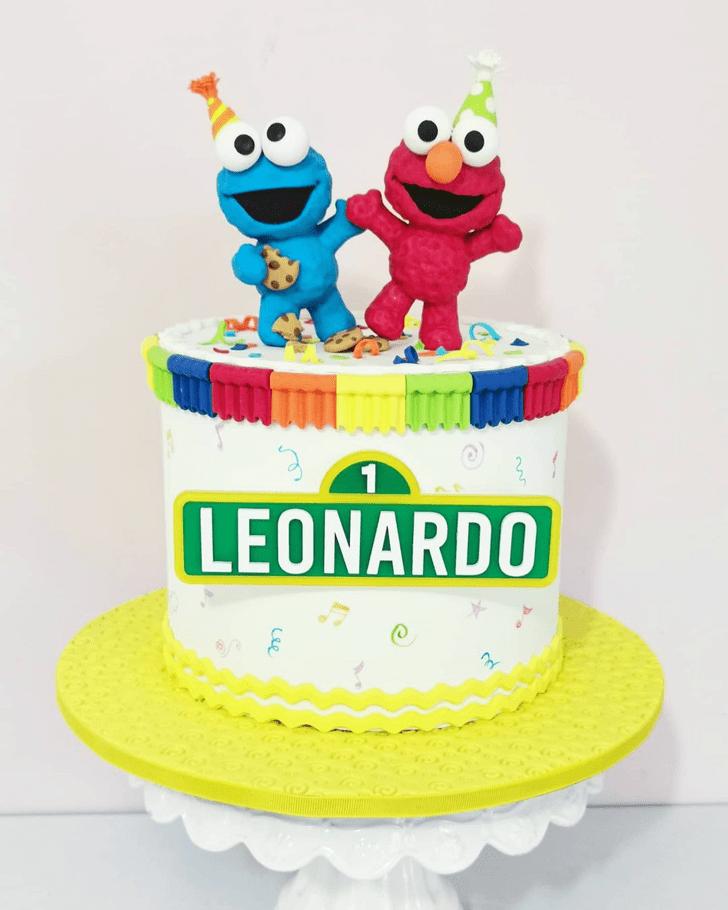 Beauteous Elmo Cake