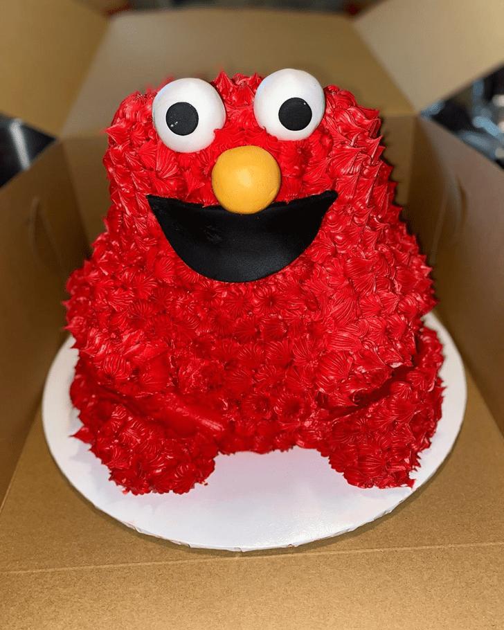 Comely Elmo Cake