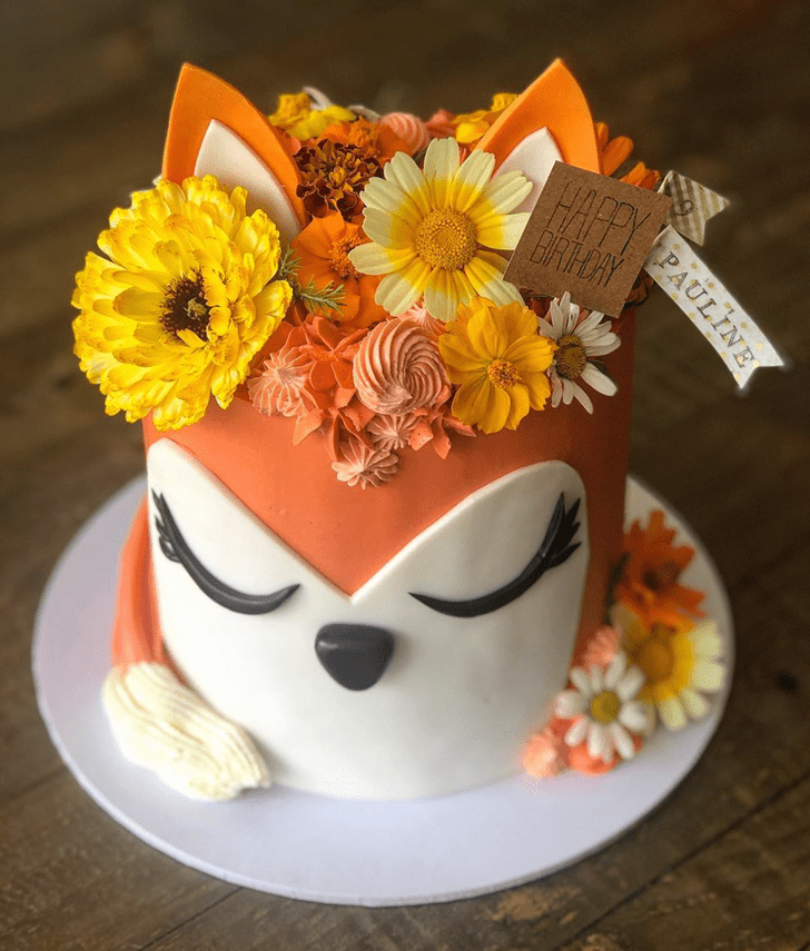 Inviting Fox Cake