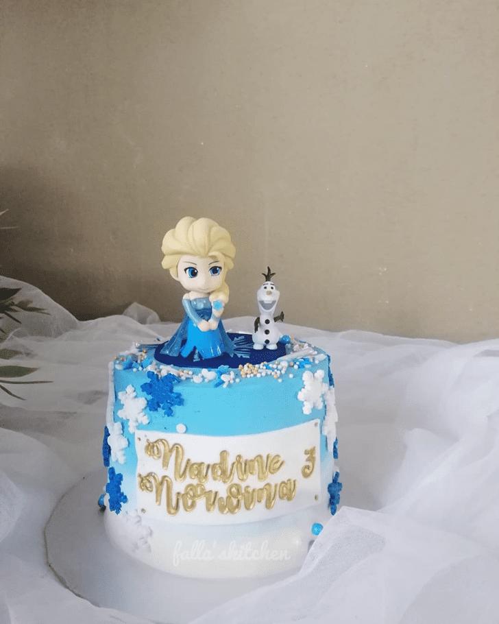 Appealing Disneys Frozen Cake