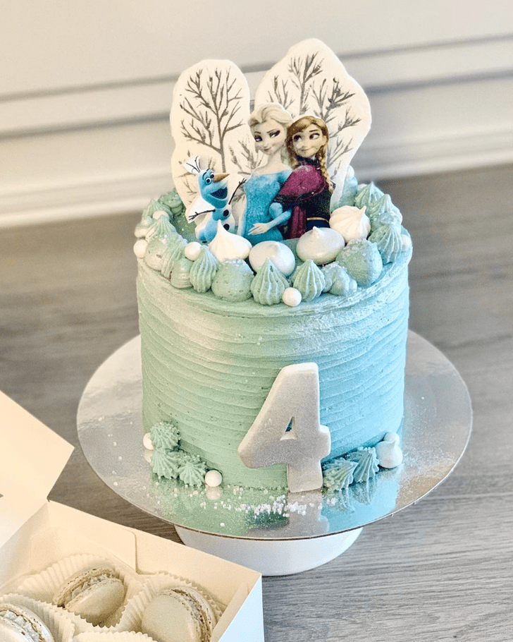 Elegant Disneys Frozen Cake