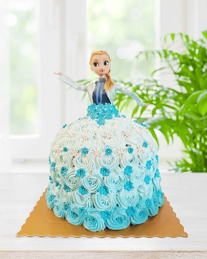 Stunning Disneys Frozen Cake