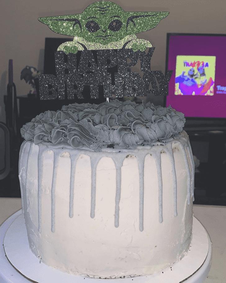 Beauteous Grogu Cake