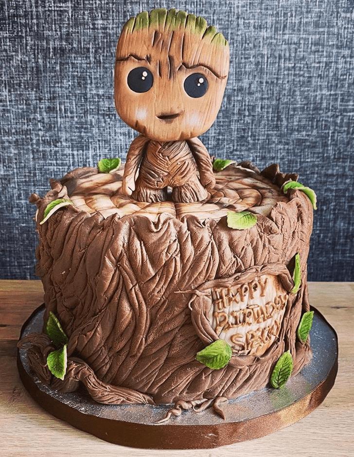 Captivating Groot Cake
