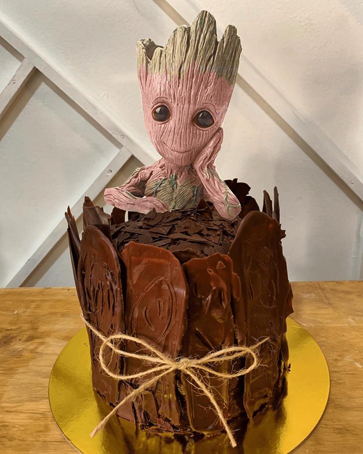 Classy Groot Cake