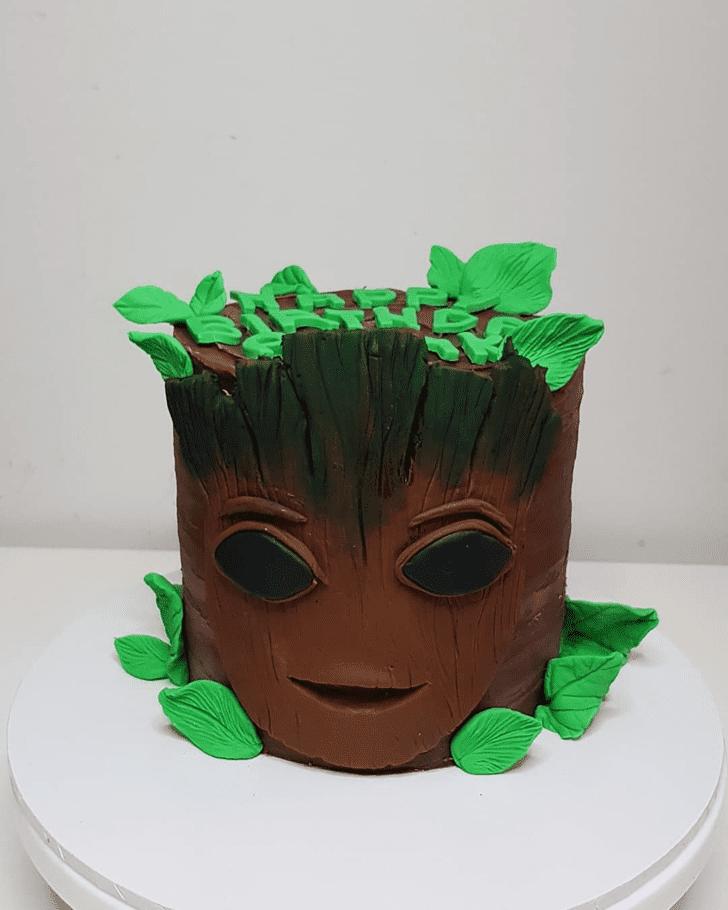 Dazzling Groot Cake