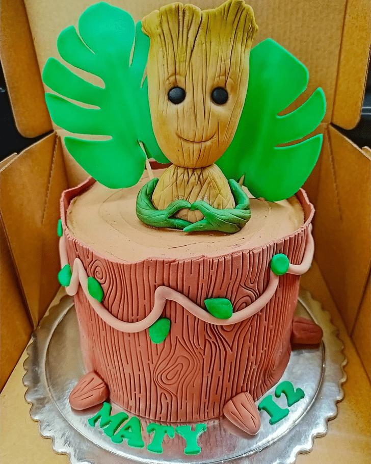 Graceful Groot Cake