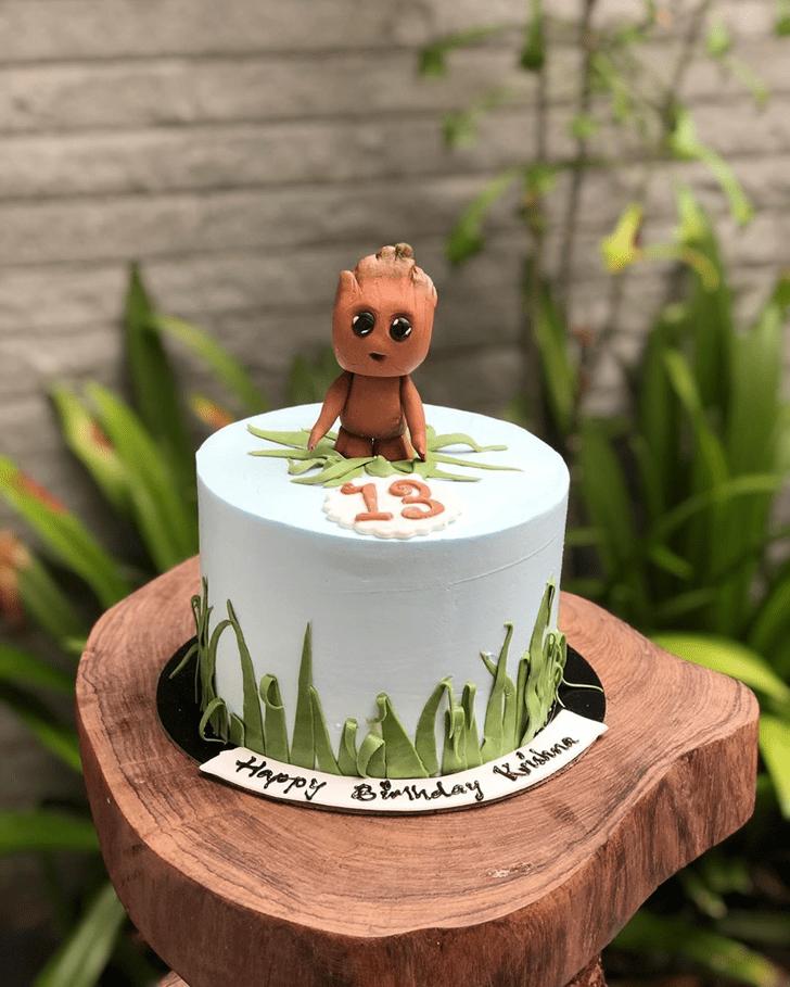 Pretty Groot Cake