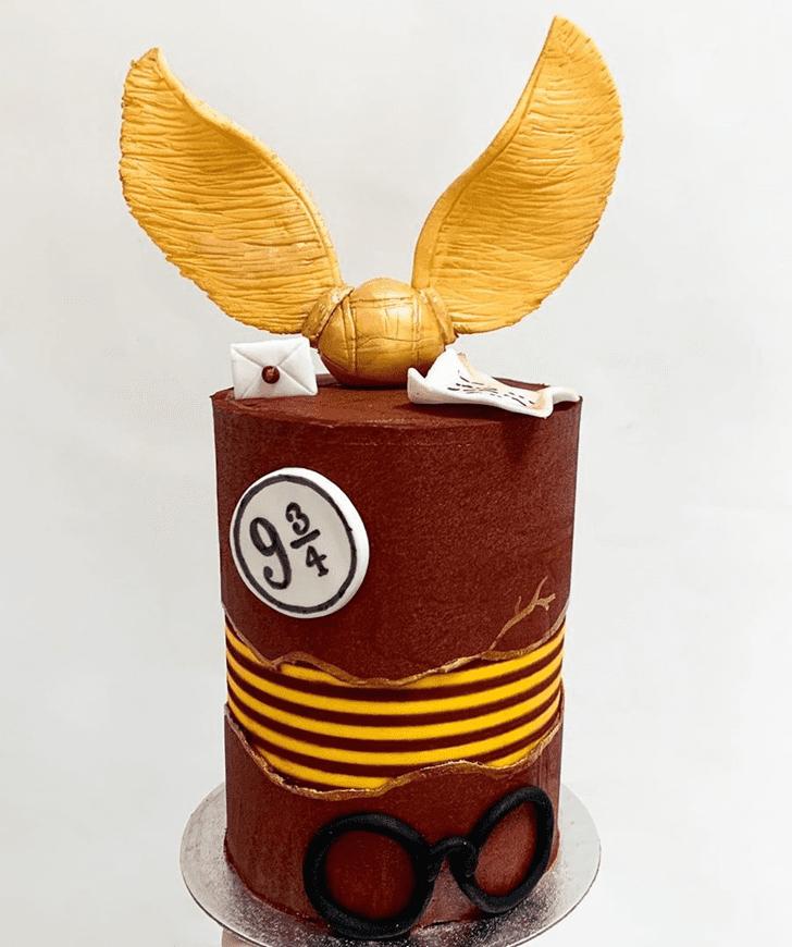 Elegant Gryffindor Cake