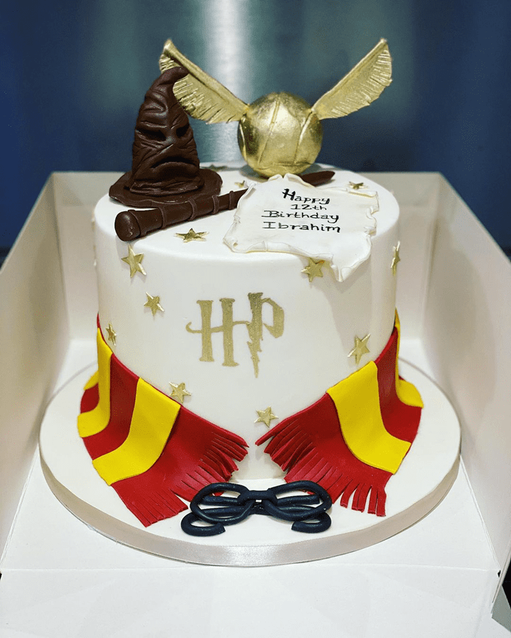 Exquisite Gryffindor Cake