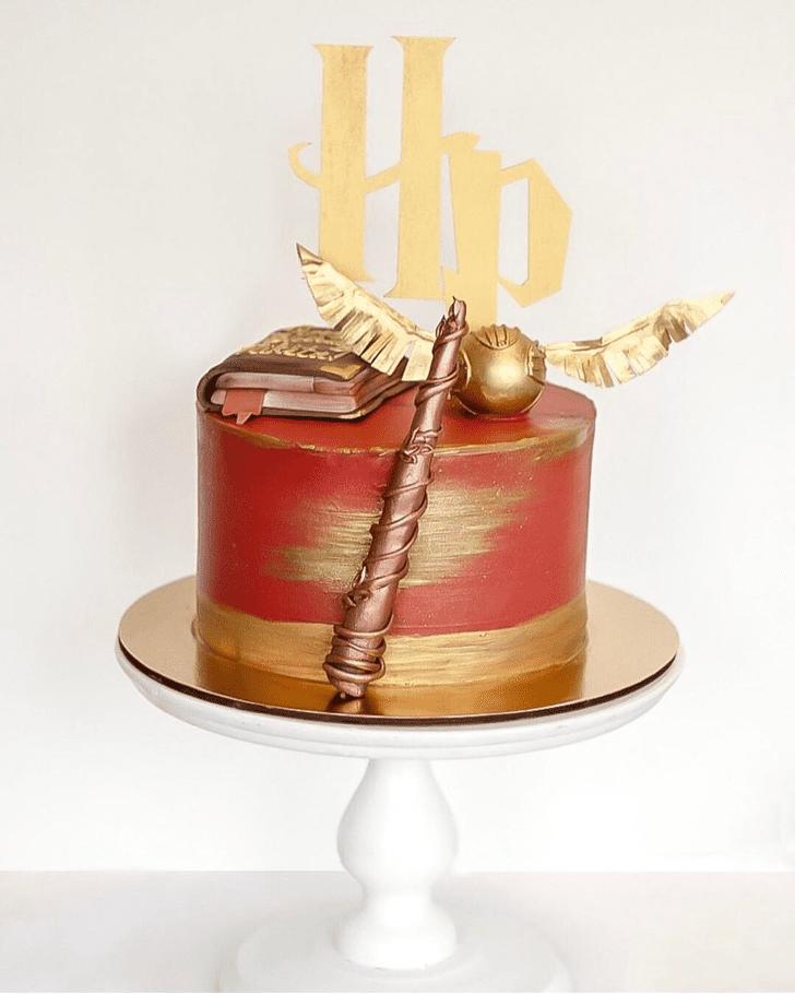 Lovely Gryffindor Cake Design