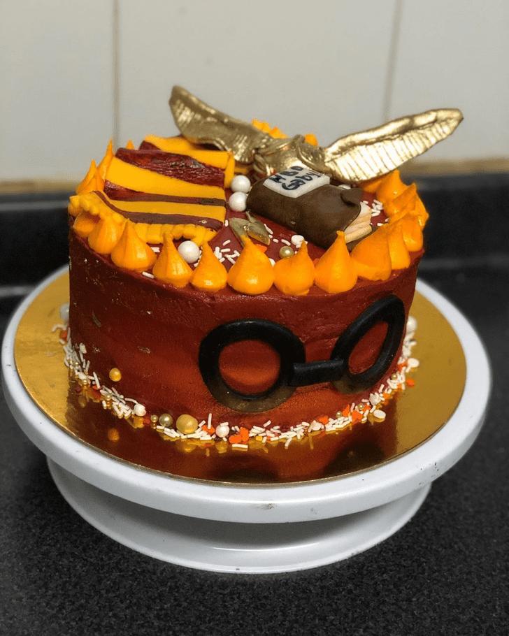 Pleasing Gryffindor Cake
