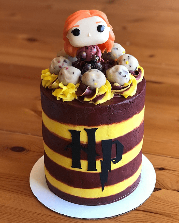 Splendid Gryffindor Cake