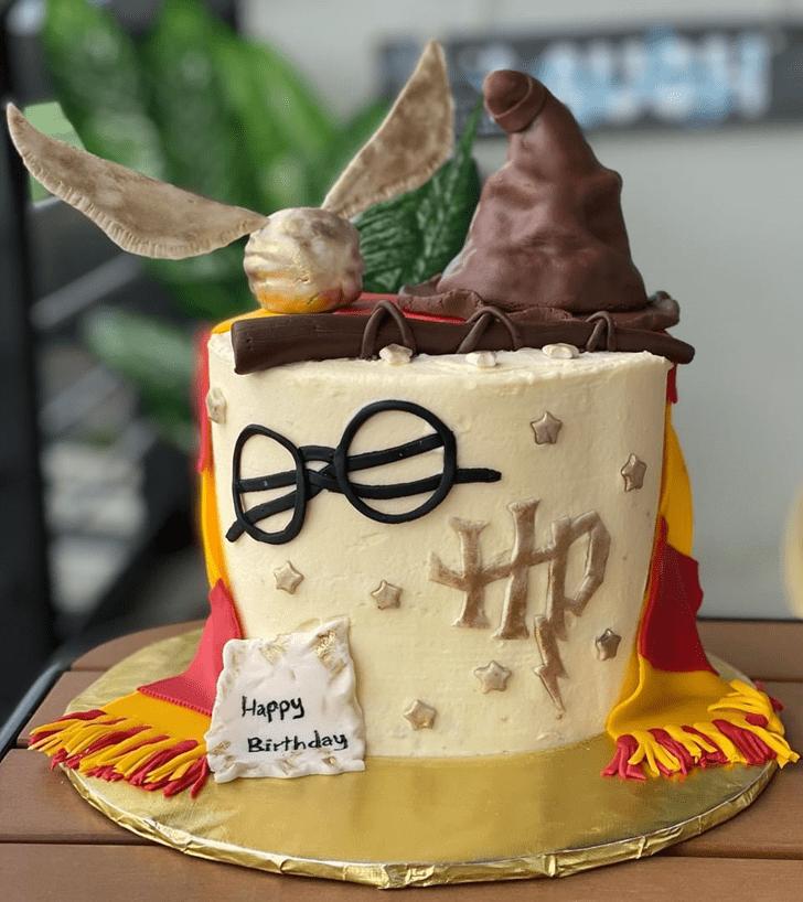 Wonderful Gryffindor Cake Design