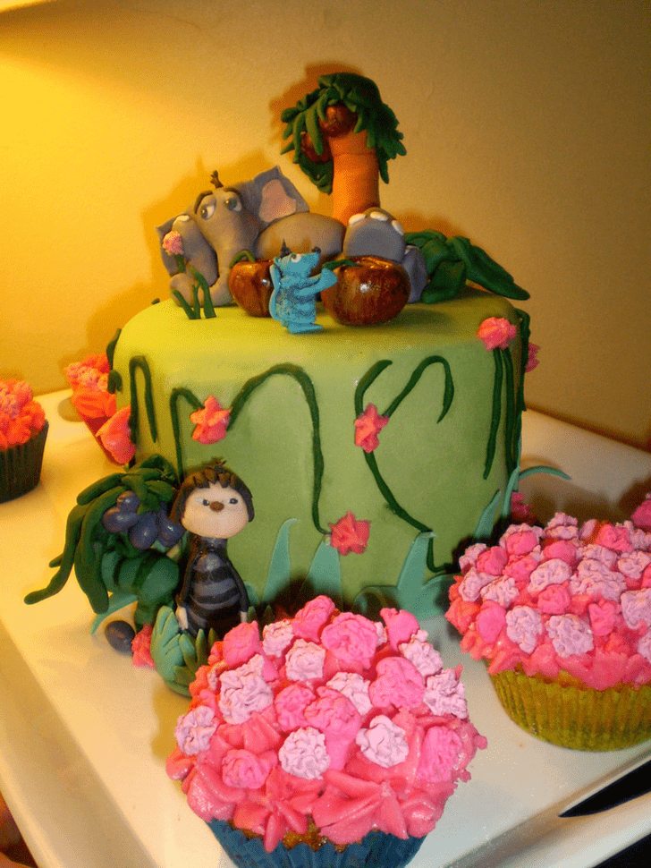 Dazzling Horton Hears a Who Cake