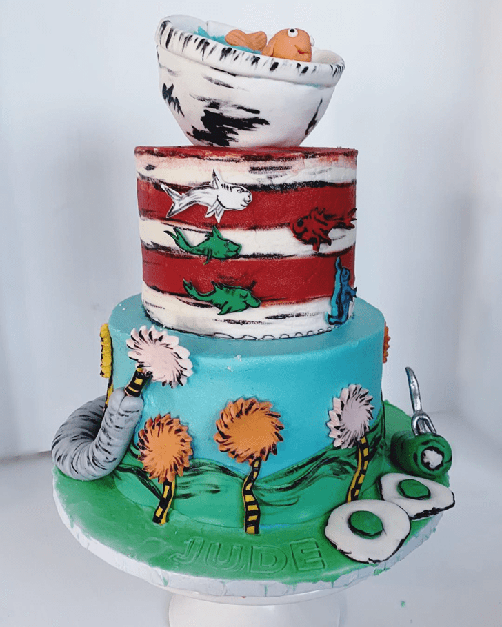 Enthralling Horton Hears a Who Cake