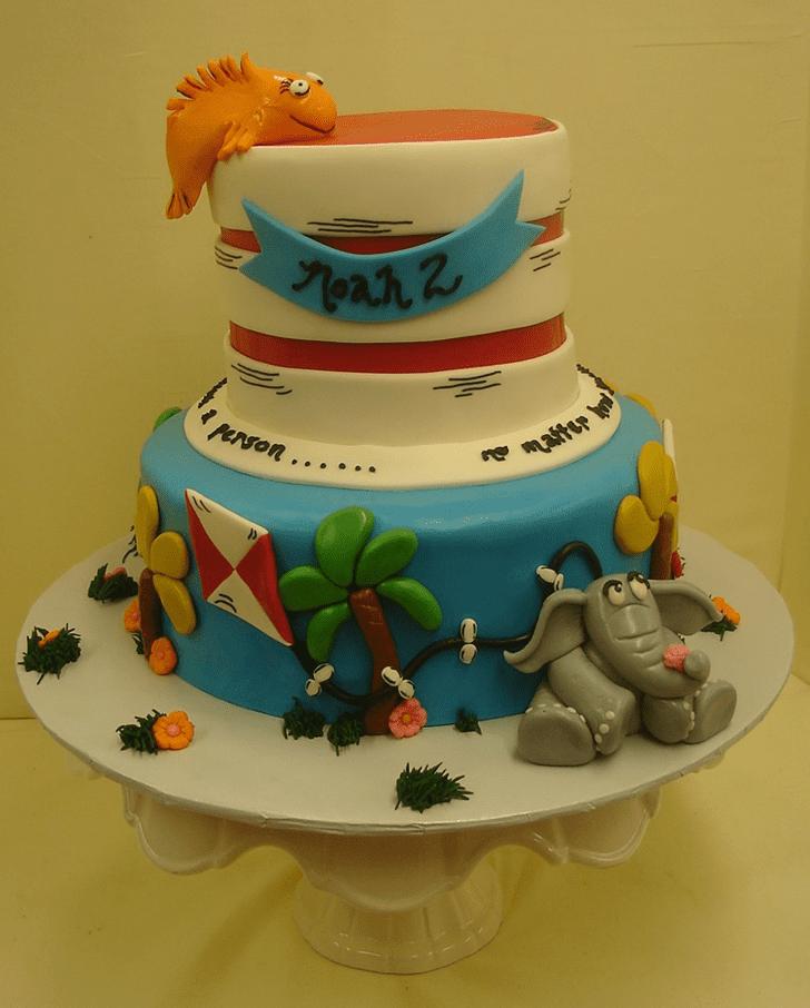 Enticing Horton Hears a Who Cake