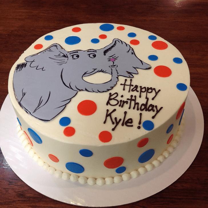 Mesmeric Horton Hears a Who Cake