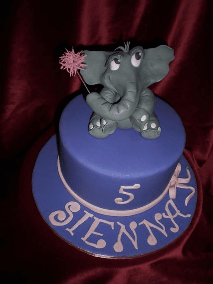 Nice Horton Hears a Who Cake