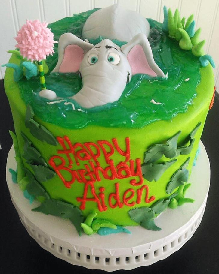 Pleasing Horton Hears a Who Cake
