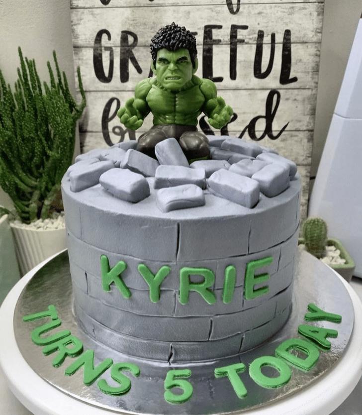 Fascinating Hulk Cake