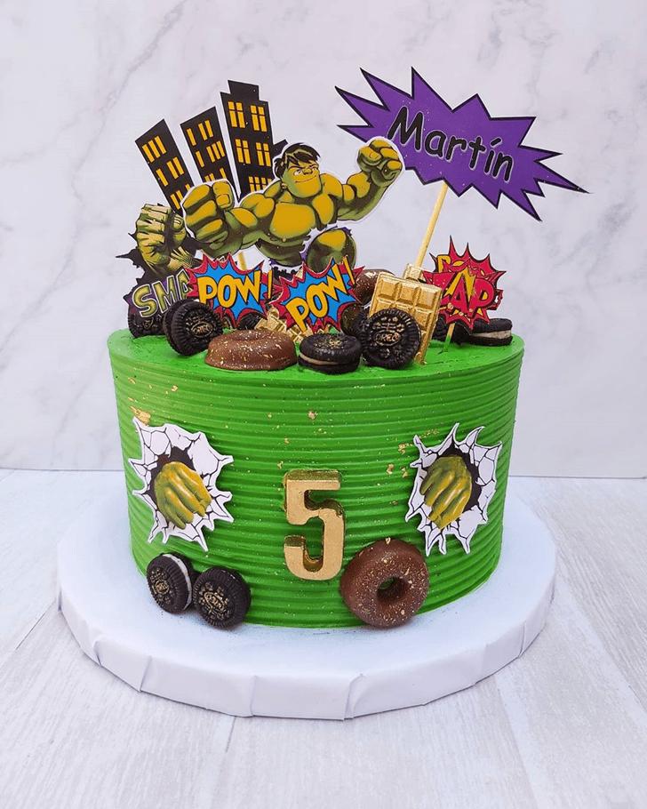 Nice Hulk Cake