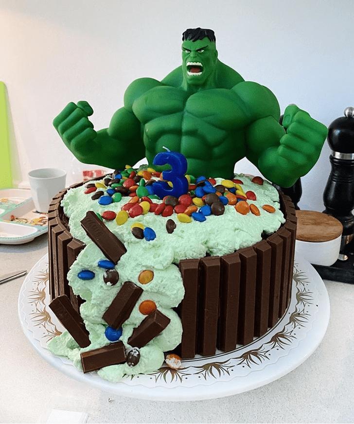 Superb Hulk Cake
