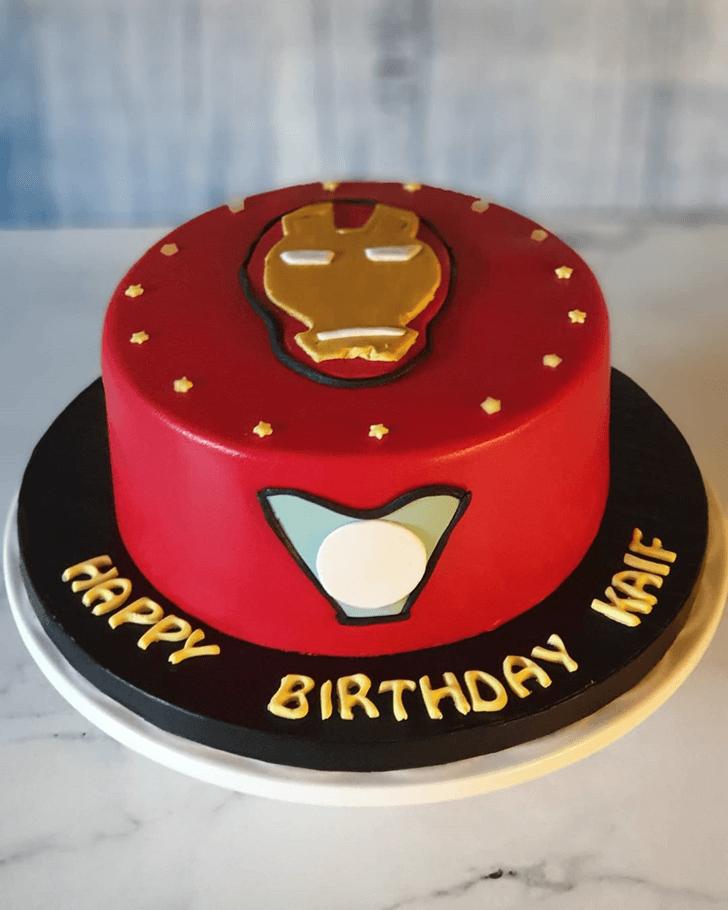 Small Iron Man Red Black Cake