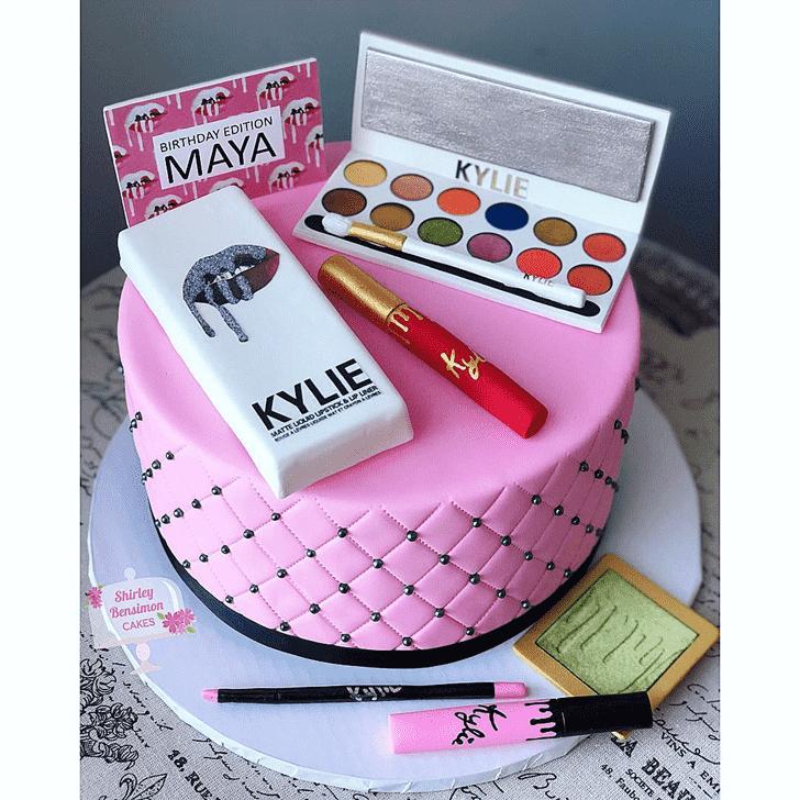 Angelic Kylie Jenner Cake