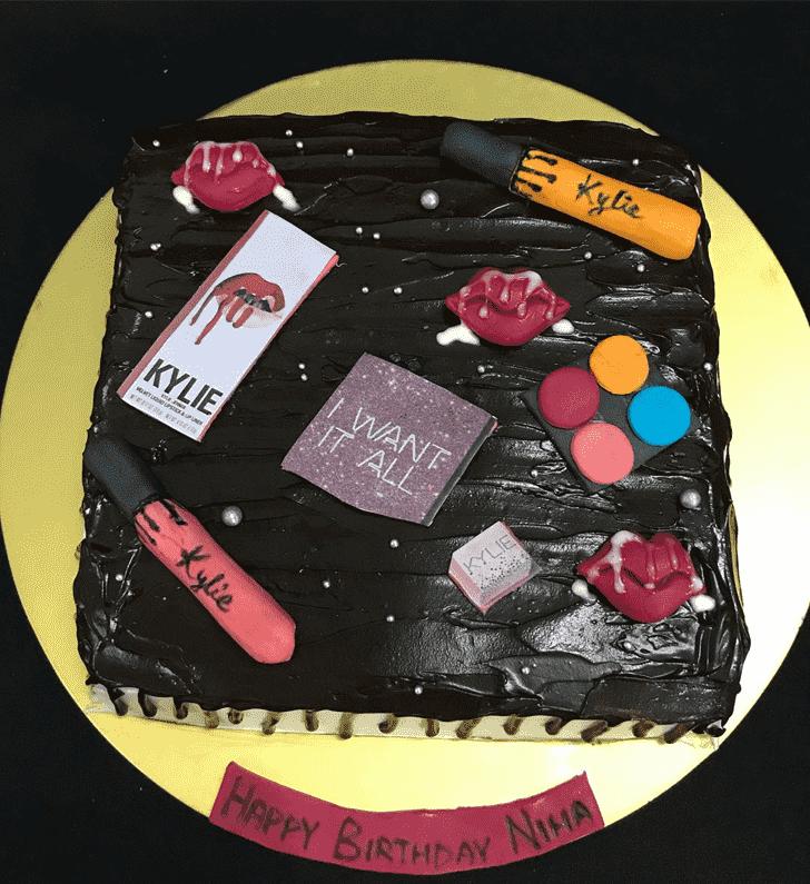 Beauteous Kylie Jenner Cake