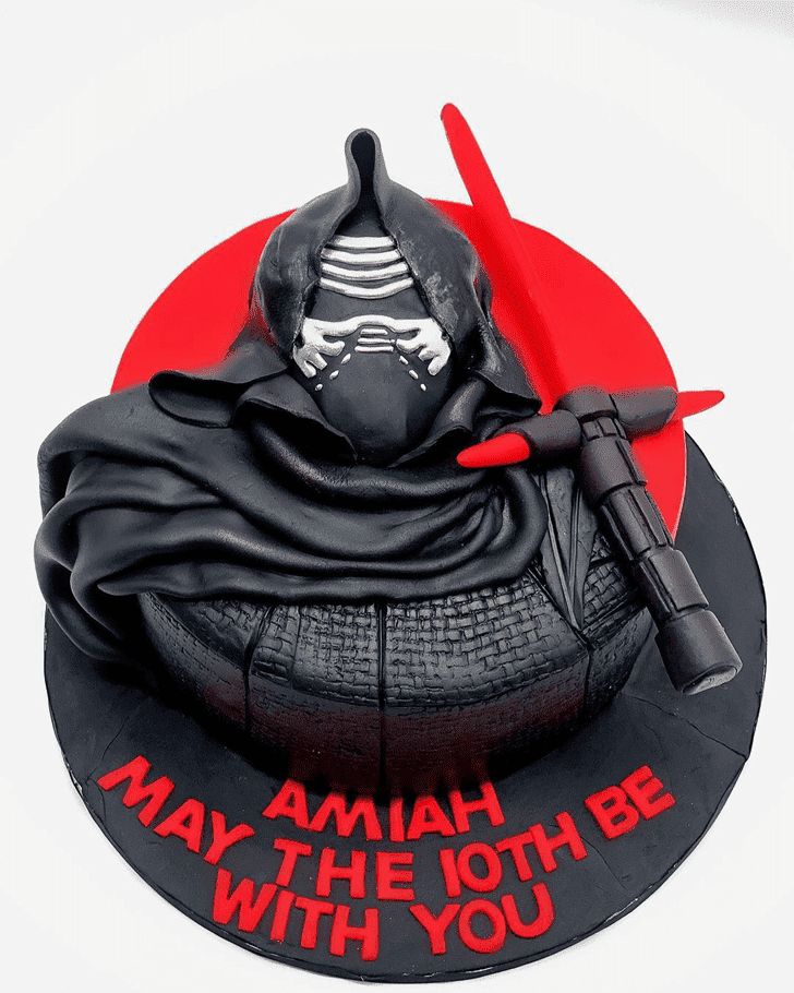Admirable Kylo Ren Cake Design