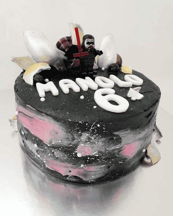 Mesmeric Kylo Ren Cake