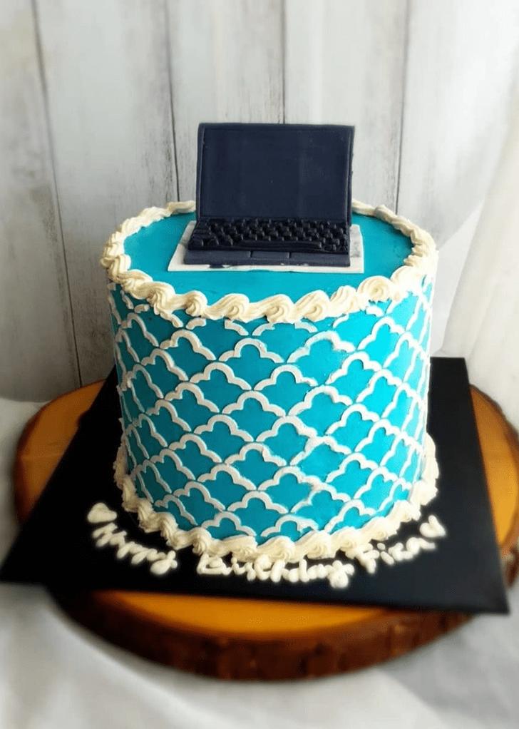 Beauteous Laptop Cake