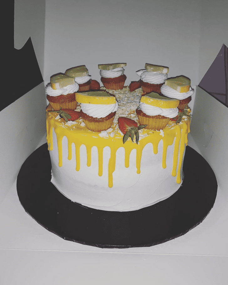 Good Looking Lemon Cake