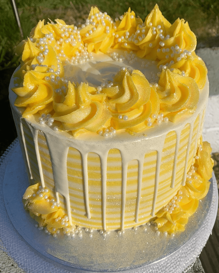 Mesmeric Lemon Cake