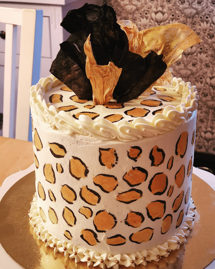 Good Looking Leopard Cake