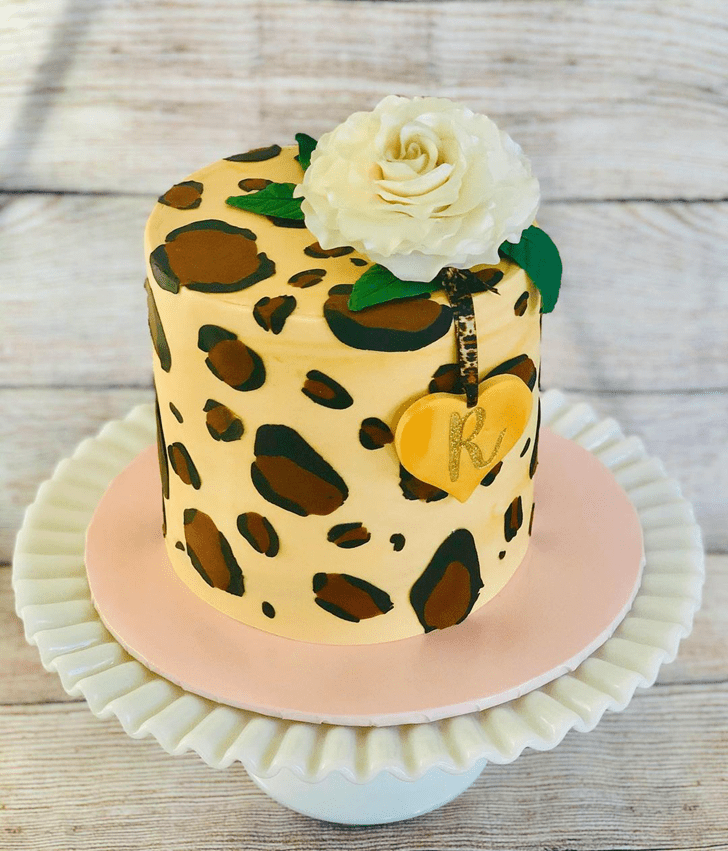 Lovely Leopard Cake Design