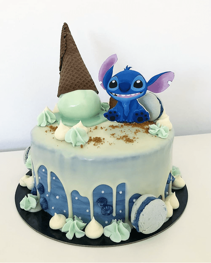 Angelic Lilo and Stitch Cake